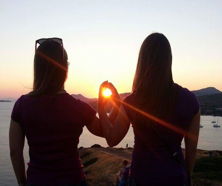 sisters with heart